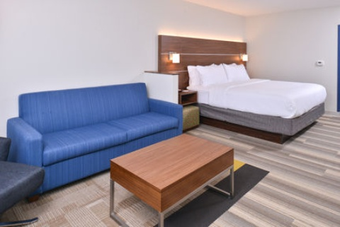 Holiday Inn Express & Suites Omaha Airport, NE 51510 near Eppley Airfield View Point 17