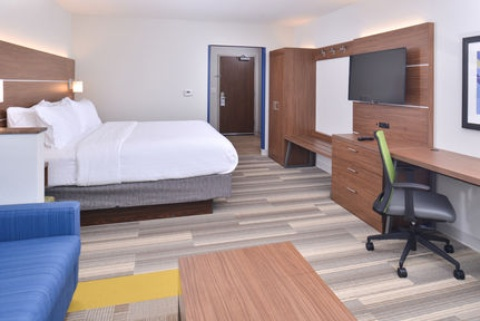 Holiday Inn Express & Suites Omaha Airport, NE 51510 near Eppley Airfield View Point 15