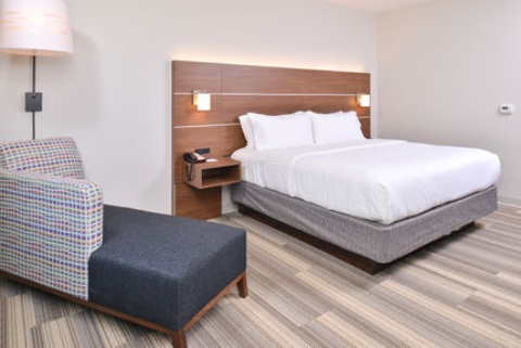 Holiday Inn Express & Suites Omaha Airport, NE 51510 near Eppley Airfield View Point 3