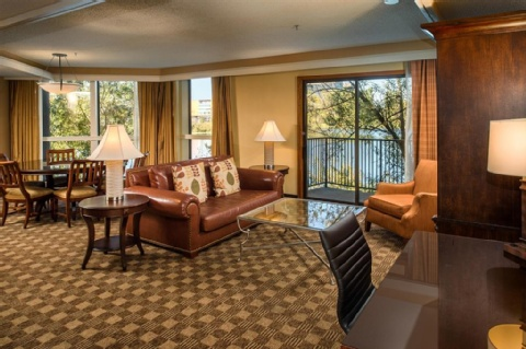 Doubletree by Hilton Seattle Airport, WA 98188 near Seattle-tacoma International Airport View Point 9