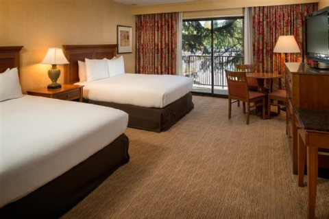 Doubletree by Hilton Seattle Airport, WA 98188 near Seattle-tacoma International Airport View Point 2
