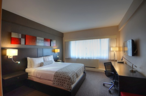 Crowne Plaza Montreal Airport, QC PQ H4T 1E3 near Montreal-Pierre Elliott Trudeau Int. Airport View Point 9