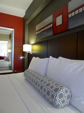 Crowne Plaza Montreal Airport, QC PQ H4T 1E3 near Montreal-Pierre Elliott Trudeau Int. Airport View Point 3