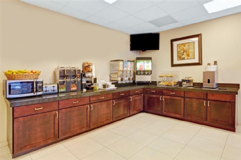 Ramada by Wyndham San Bruno SFO Airport, CA 94066 near San Francisco International Airport View Point 9