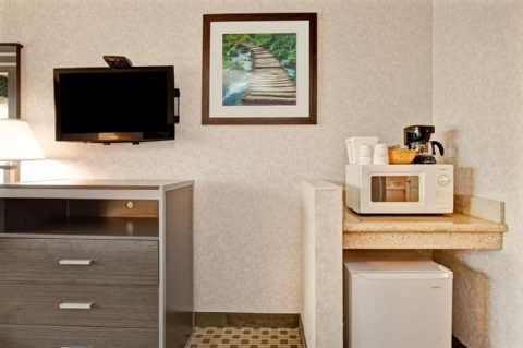 Ramada by Wyndham San Bruno SFO Airport, CA 94066 near San Francisco International Airport View Point 7