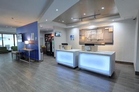 Holiday Inn Express and Suites Toronto Airport West, ON L4W 3ZI near Toronto Pearson International Airport View Point 15