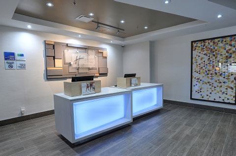 Holiday Inn Express and Suites Toronto Airport West, ON L4W 3ZI near Toronto Pearson International Airport View Point 11