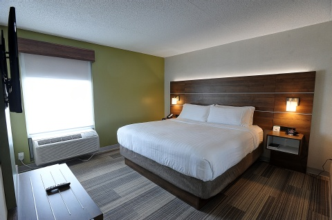Holiday Inn Express and Suites Toronto Airport West, ON L4W 3ZI near Toronto Pearson International Airport View Point 6