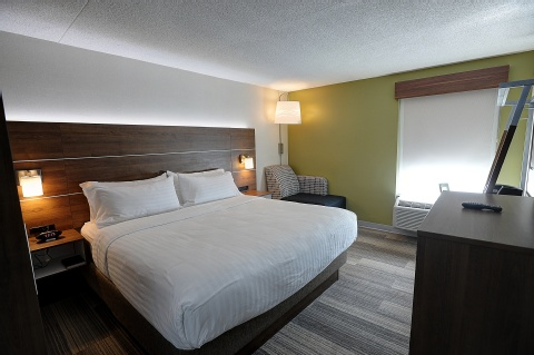 Holiday Inn Express and Suites Toronto Airport West, ON L4W 3ZI near Toronto Pearson International Airport View Point 2
