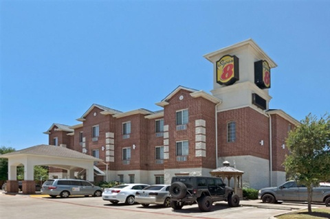 Hotels Near Aus Austin Bergstrom International Airport With Parking