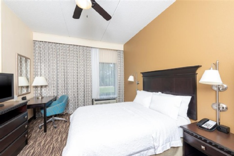 Hampton Inn & Suites Cleveland-Airport/Middleburg Heights, OH 44130 near Cleveland Hopkins International Airport View Point 2