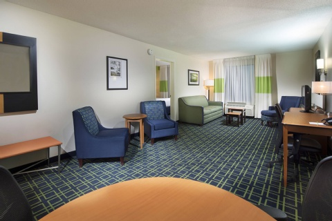 Fairfield Inn & Suites by Marriott Charleston Airport/Convention Center, SC 29418 near Charleston International Airport / Charleston Afb View Point 3