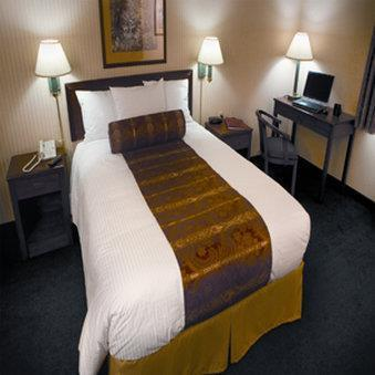 Rogue Regency Inn & Suites, OR 97504 near Rogue Valley International-medford Airport View Point 2