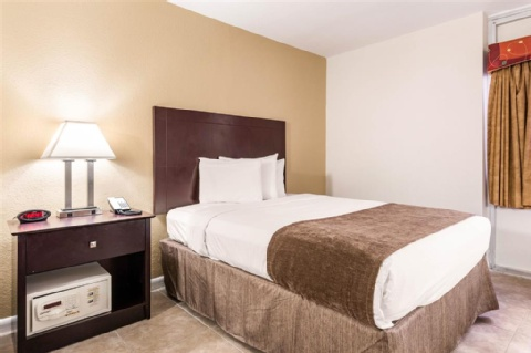Rodeway Inn & Suites Fort Lauderdale Airport & Port Everglades Cruise Port Hotel, FL 33312 near Fort Lauderdale-hollywood International Airport View Point 15