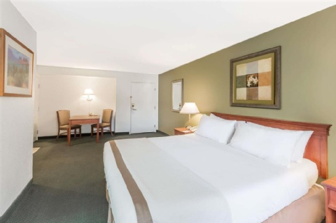 Hawthorn Suites by Wyndham Sacramento, CA 95814 near Sacramento International Airport View Point 7