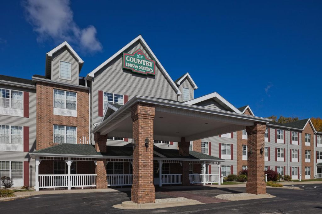 Country Inn & Suites by Radisson, Milwaukee Airport