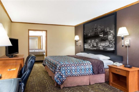 Super 8 by Wyndham Kansas City Airport, MO 64153 near Kansas City International Airport View Point 4