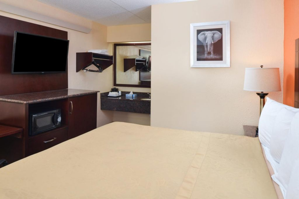 Americas Best Value Inn Pittsburgh Airport, PA 15108 near Pittsburgh International Airport View Point 7