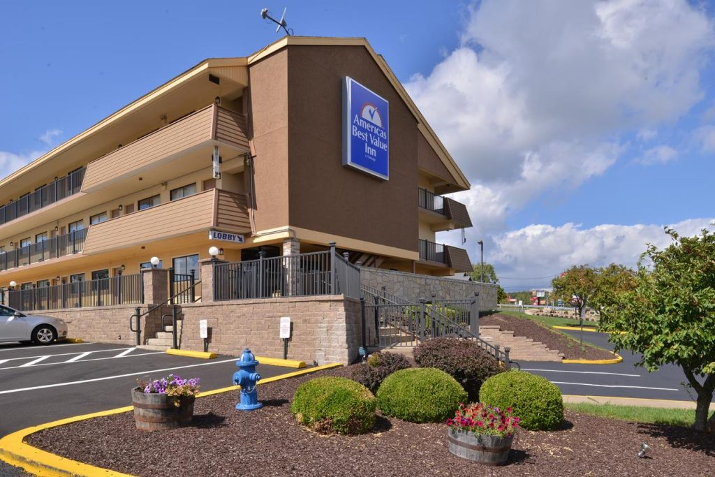 Americas Best Value Inn Pittsburgh Airport, PA 15108 near Pittsburgh International Airport View Point 1