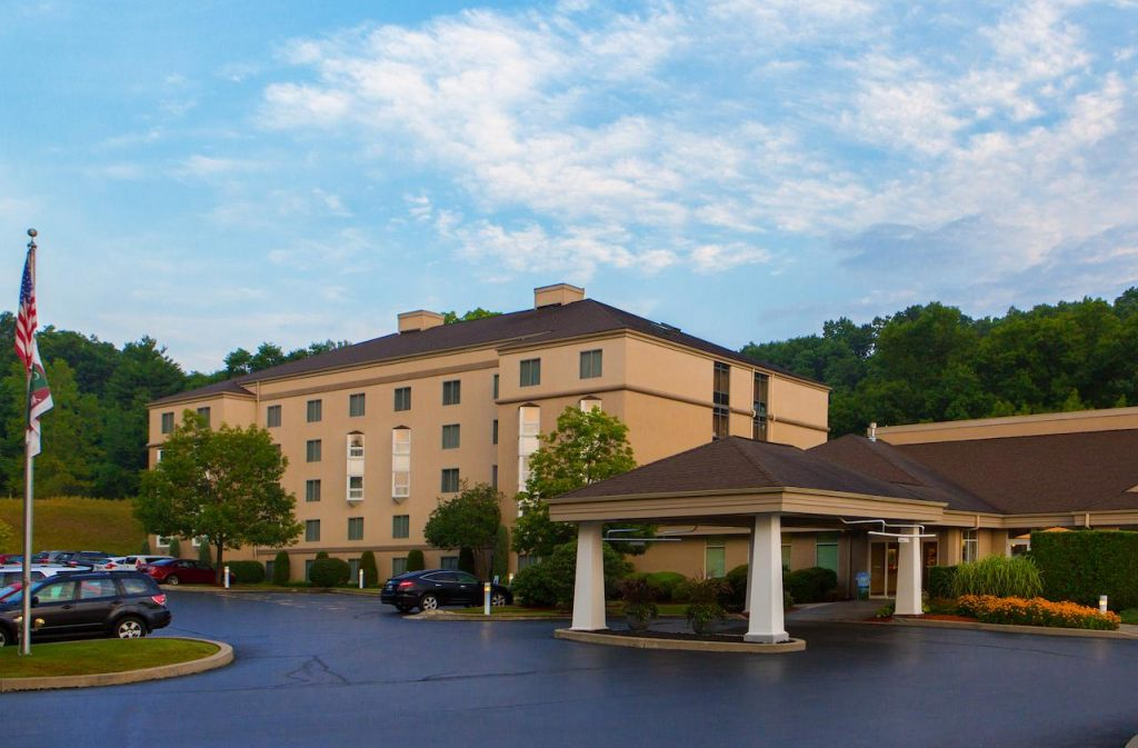 Courtyard by Marriott Rochester East/Penfield, NY 14625 near Greater Rochester International Airport View Point 1
