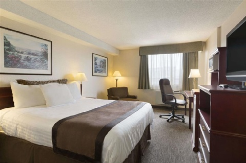 Travelodge Hotel Vancouver Airport , BC V6X 3K4 near Vancouver International Airport View Point 4