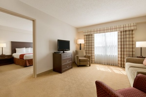 COUNTRY INN SUITES CALGARY, AB T2E8V8 near Calgary International Airport View Point 8