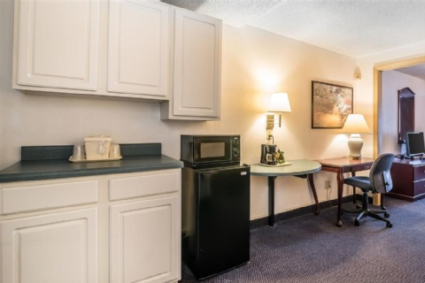 Quality Inn & Suites Albany Airport, NY 12110-2505 near Albany International Airport View Point 12