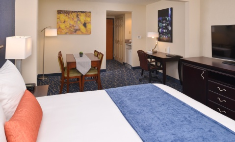 RADISSON NEW ORLEANS AIRPORT, LA 70062 near Louis Armstrong New Orleans International Airport  View Point 2