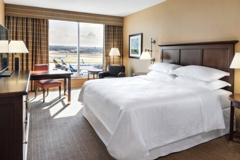 Sheraton Gateway Hotel in Toronto International Airport, ON L5P 1C4 near Toronto Pearson International Airport View Point 6