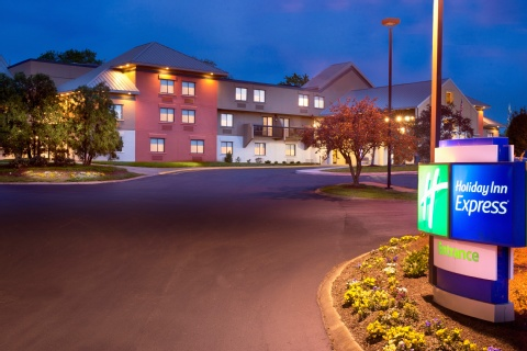 HOLIDAY INN EXPRESS AIRPORT, TN 37214