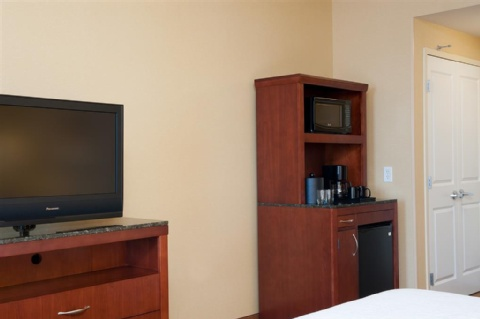 Hilton Garden Inn Indianapolis Airport, IN 46231 near Indianapolis International Airport View Point 8