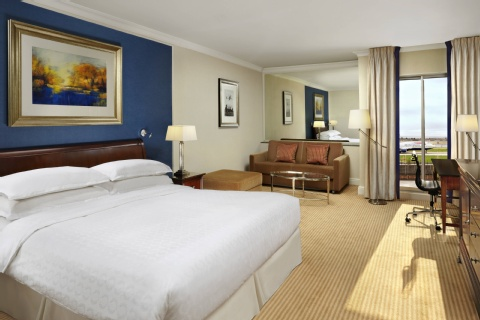 Sheraton Skyline Hotel London Heathrow,  UB3 5BP near Heathrow Airport View Point 5