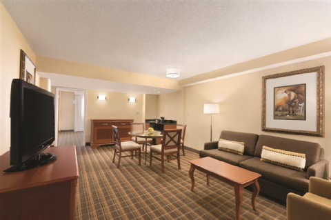 Embassy Suites by Hilton Greenville Golf Resort & Conference Center, SC 29607 near Greenville-spartanburg International Airport View Point 3