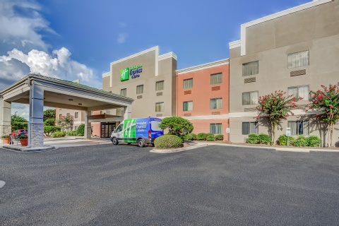 Holiday Inn Express & Suites Greenville Airport, SC 29650
