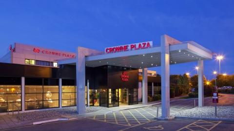 Crowne Plaza Manchester Airport,  M90 3NS near Manchester Airport View Point 42