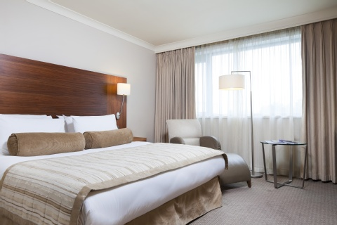 Crowne Plaza Manchester Airport,  M90 3NS near Manchester Airport View Point 14
