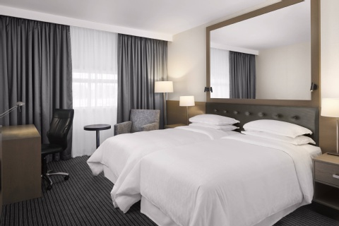 Sheraton Heathrow Hotel,  UB7 0HJ near Heathrow Airport View Point 16