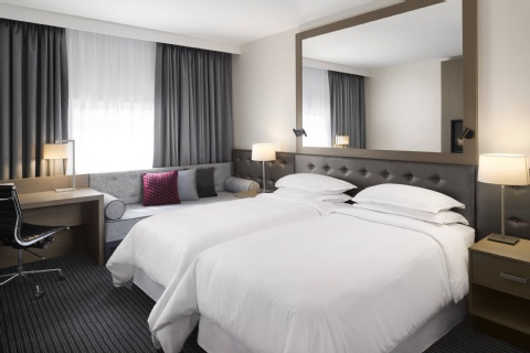 Sheraton Heathrow Hotel,  UB7 0HJ near Heathrow Airport View Point 15