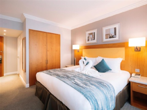 Sofitel London Gatwick,  RH6 0PH near Gatwick Airport View Point 11