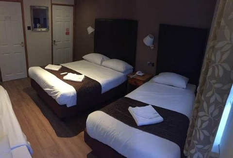 Gatwick Belmont Hotel,  RH6 7DS near Gatwick Airport View Point 4