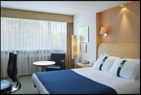Holiday Inn London - Gatwick Airport,  RH6 0BA  near Gatwick Airport View Point 37