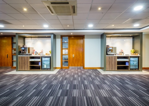 Holiday Inn London - Gatwick Airport,  RH6 0BA  near Gatwick Airport View Point 28