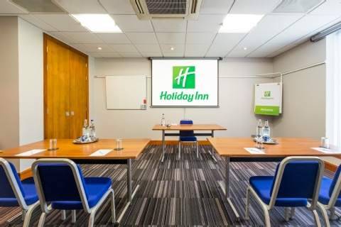 Holiday Inn London - Gatwick Airport,  RH6 0BA  near Gatwick Airport View Point 25