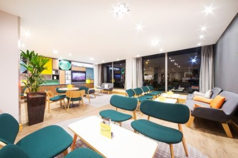 Holiday Inn London - Gatwick Airport,  RH6 0BA  near Gatwick Airport View Point 16