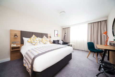 Holiday Inn London - Gatwick Airport,  RH6 0BA  near Gatwick Airport View Point 2