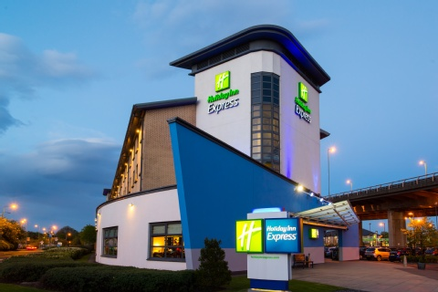 Holiday Inn Express Glasgow Airport,  PA3 2TJ near Glasgow Airport View Point 33