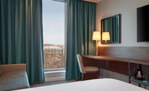 Hampton by Hilton Edinburgh Airport,  EH12 9DN near  Edinburgh Airport View Point 18