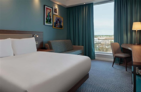 Hampton by Hilton Edinburgh Airport,  EH12 9DN near  Edinburgh Airport View Point 14