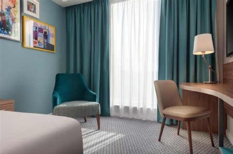 Hampton by Hilton Edinburgh Airport,  EH12 9DN near  Edinburgh Airport View Point 5