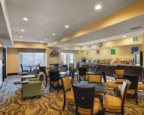 COMFORT SUITES DFW AIRPORT, TX 75063 near Dallas-fort Worth International Airport View Point 11